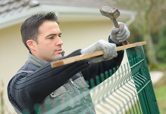 Commercial & Residential Fencing